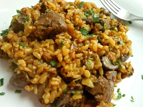 Arroz Con Higaditos De Pollo