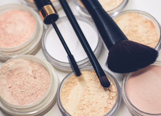 amy goldsmith author summer beauty makeup glowing skin how to