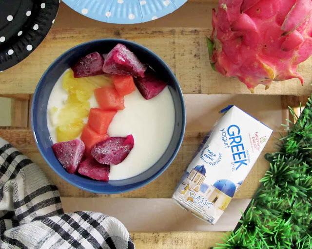 Heavenly Blush greek yogurt untuk sarapan sehat dengan buah