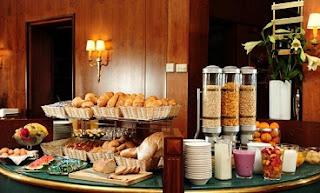 sarapan hotel
