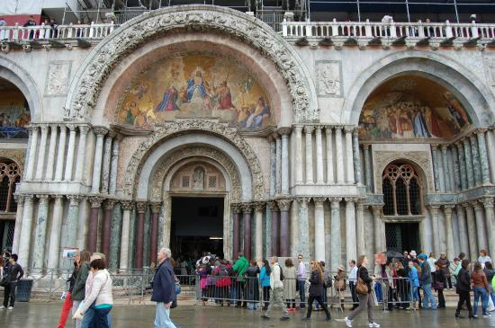Ingressos para a visita a basílica dourada em Veneza