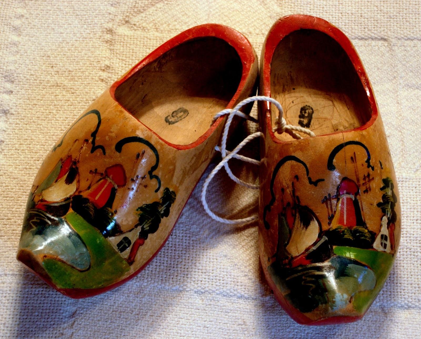 Motherbedford Dutch Wooden Shoes