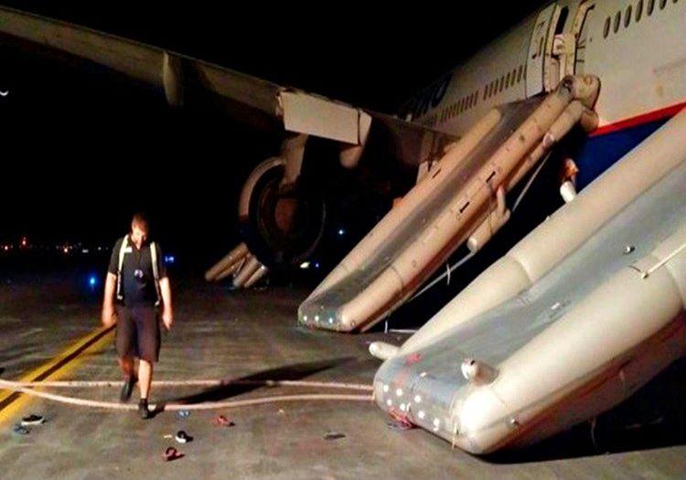Hurda uçak yandıktan sonra kullanılmaz hale gelmişti, artık onarımı da mümkün değildi.