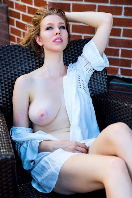 Marisa Roper cleavage