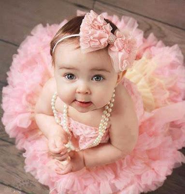 şirin bebek çok şirin sevimli sevimli bebek
