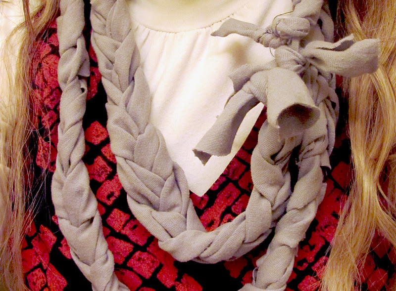 Love Notes by Lauryn: no sew braided t-shirt scarf