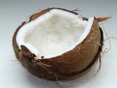 gommage visage maison à base de huile de coco