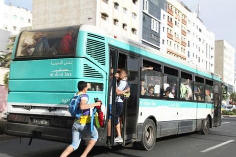 """منتخبو البيضاء يُسيِّسون ملف النقل بعد واقعة """"فتاة الحافلة"""""""