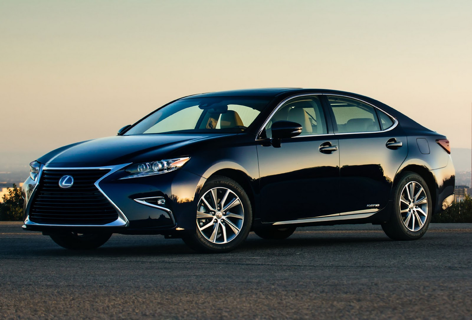 Here's Your 2016 Lexus ES Facelift, North America [49