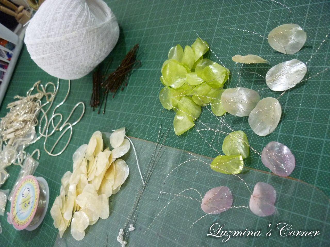 Luzmina\'s Corner: Flores de escama de pescado: tembleques