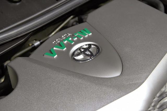 Động cơ phun xăng trực tiếp D4S trên Toyota Camry 2.0 E 2015