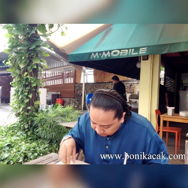 tempat makan murah plaza damas