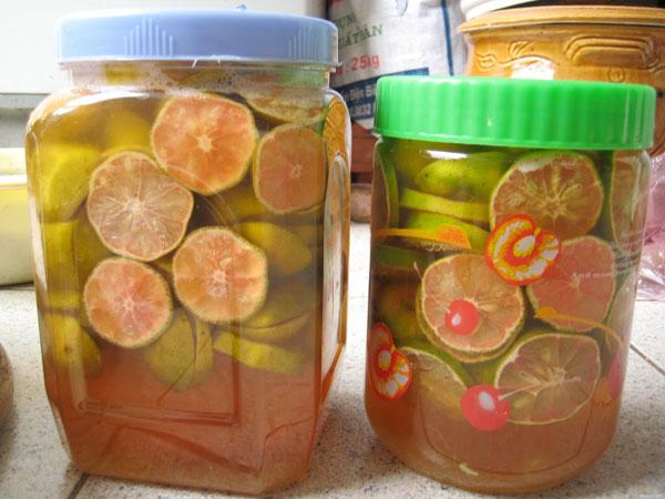 Món ngậm từ mật ong và chanh đào ngậm chữa ho và viêm phế quản