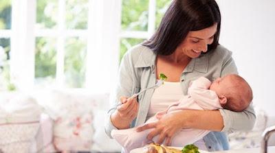 Tips Menyapih Si Kecil yang Agar Mau Minum Susu Lewat Botol
