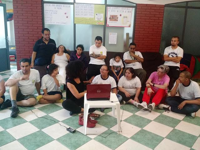 Zona Leste de SP tem programa gratuito para deficientes físicos: oficinas na ACDEM (literatura, dança, teatro, cultura popular, cinema e música)