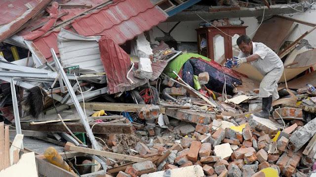 Dua Pekan, Pengungsi Gempa Palu Mulai Bosan Tinggal di Barak