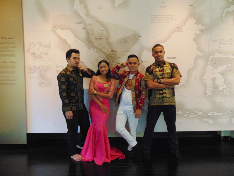Tak Dihiraukan didaerah Sendiri, Sri Nirwana Harumkan Indonesia di Singapura
