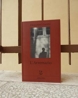 l'aversario emmanuel carrère recensione no spoiler felice con un libro
