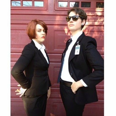 Mulder and Scully Halloween X-Files DIY Costumes