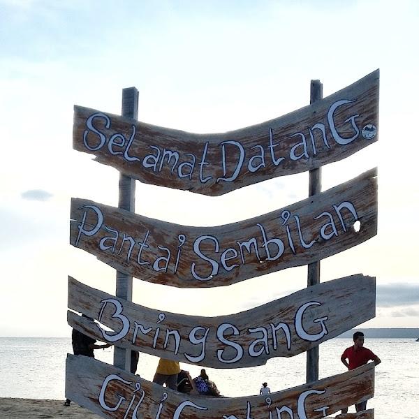 Petualangan ke Pantai Sembilan Pulau Gili Genting Madura
