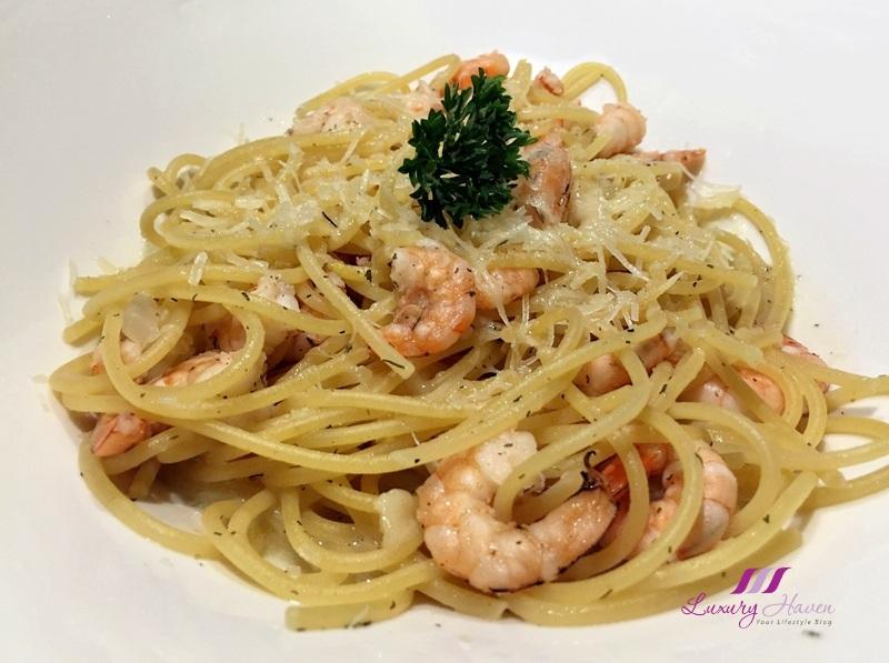 bintan resorts nelayan seafood beaachfront restaurant review pasta