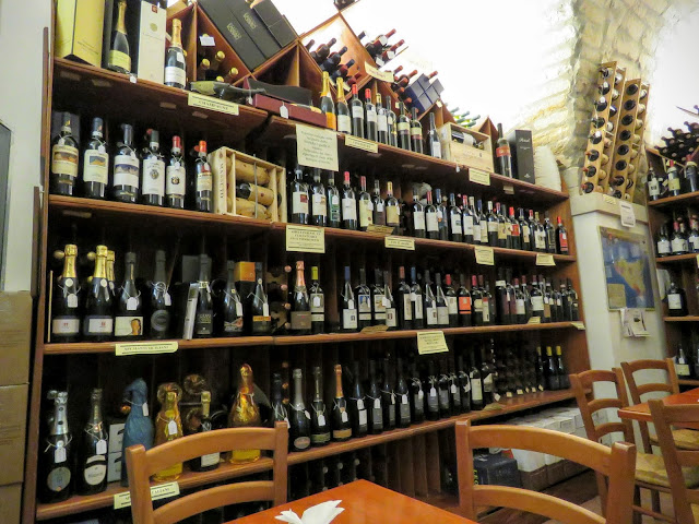 Sicilian Food - Sapori Doc wine bar in Modica