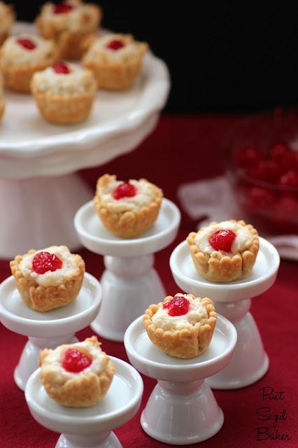 Almond Macaroon Mini Pies - Pint Sized Baker #almond #mini #pie www.pintsizedbaker.com @pintsizedbaker