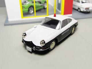 tomica limited vintage porsche police car
