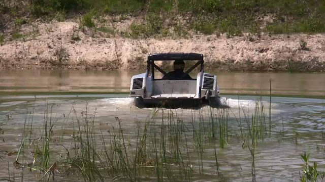 snafu canadian army and defense research testing the polaris rampage amphibious all terrain. Black Bedroom Furniture Sets. Home Design Ideas