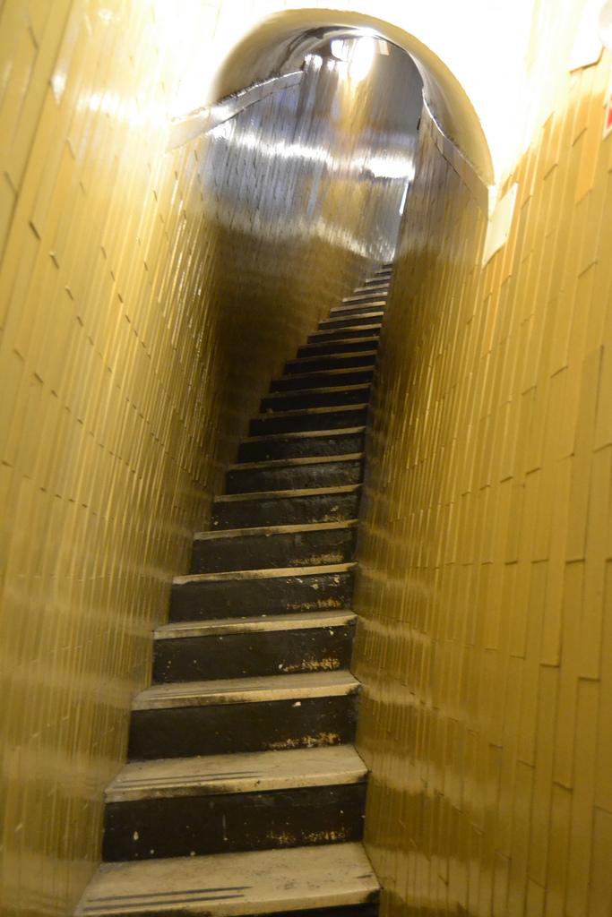 Clarisse urbaniste lectio divina una porta stretta per - Entrare in una porta ...