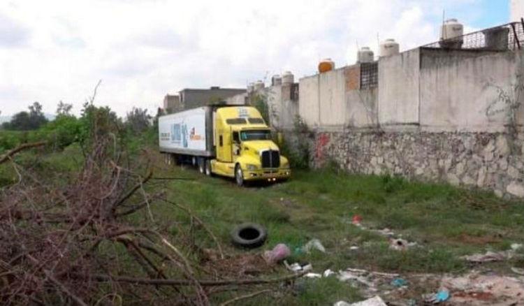 Jalisco: identificados y entregados a familiares 17 de los 444 cuerpos depositados en tráileres