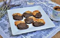 «Εμπλουτισμένα», υγιεινά, σοκολατένια μπισκότα αμυγδάλου (video) - by https://syntages-faghtwn.blogspot.gr