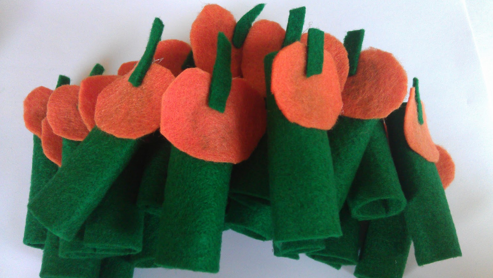 5 Little Pumpkins Felt Finger Puppets Tutorial