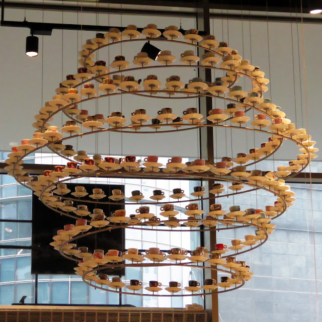 Coffee cups chandelier, illy Caffè, Piazza Gae Aulenti, Milano
