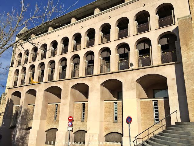 Universidade de Girona, junto ao edifício banhos árabes