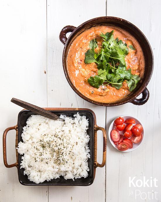 Tuhdisti makua arkeen solahtavalla nopeudella. Intialainen curry on loistava ruoka arjentaklaajaksi!