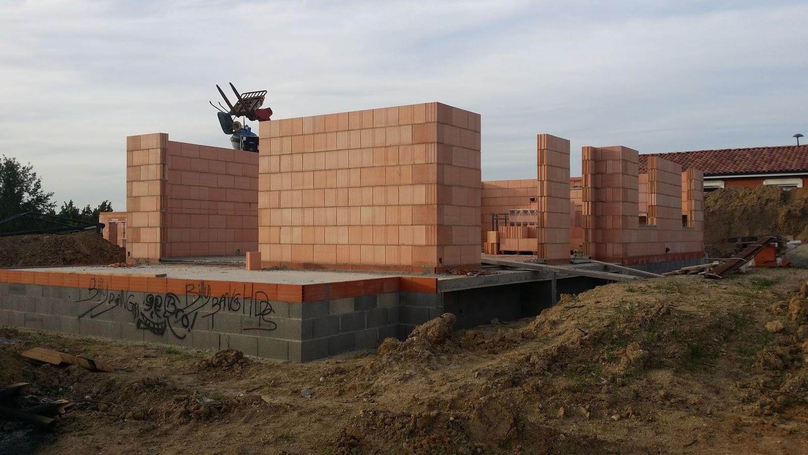 Construire sa maison rt 2012 seul for Construire une maison individuelle rt 2012
