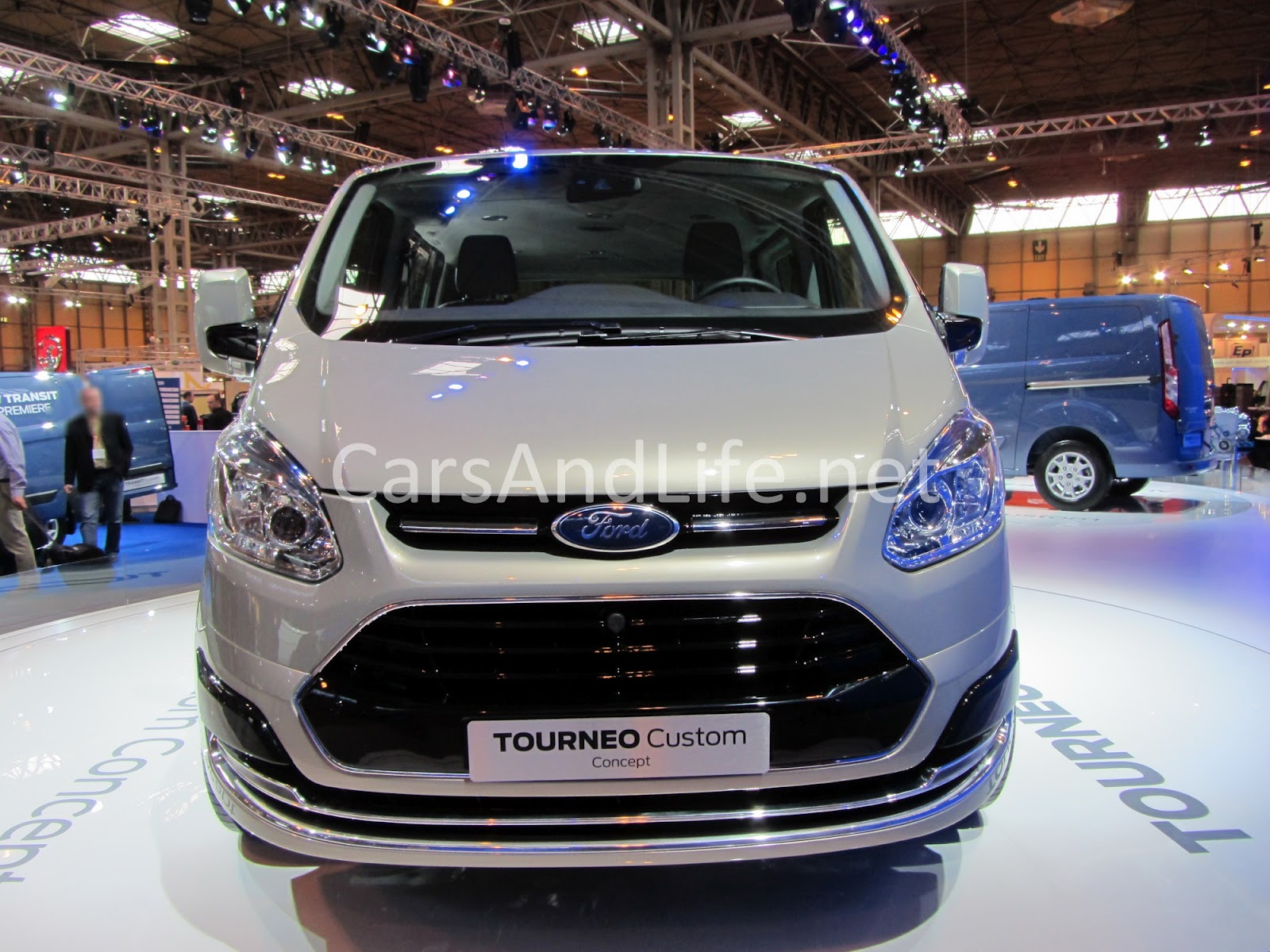 new ford tourneo and transit cars life cars fashion lifestyle blog. Black Bedroom Furniture Sets. Home Design Ideas