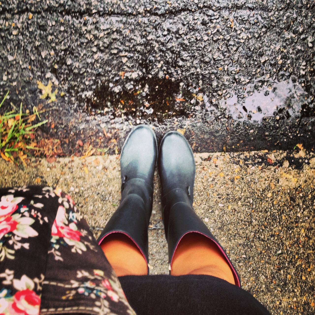 Happy Rainy Day: Fairview Place: Happy Rainy Day