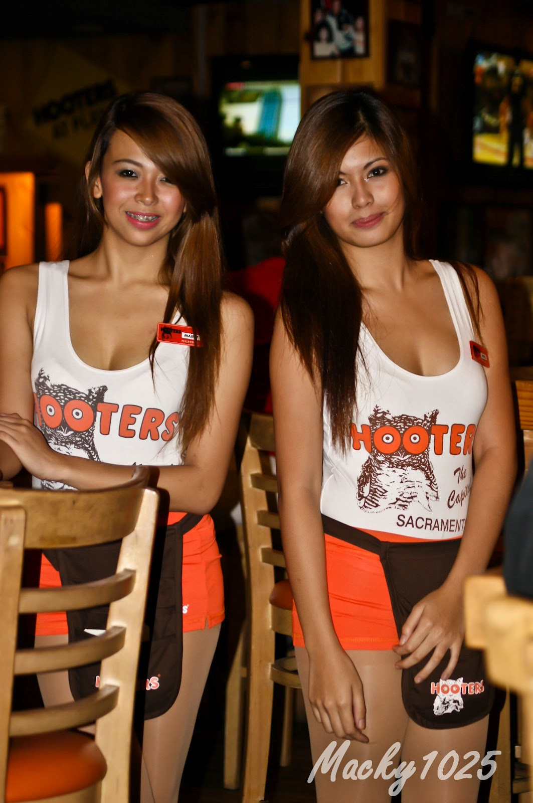 Has anyone ever dated a Hooters girl