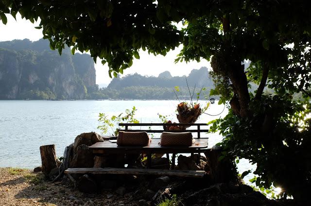http://www.lilikus.be/2016/04/thailande-ces-endroits-qui-font-du-bien.html