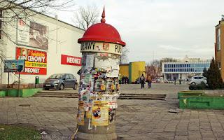 http://fotobabij.blogspot.com/2015/12/puawy-sup-ogoszeniowy-w-tle-plac.html