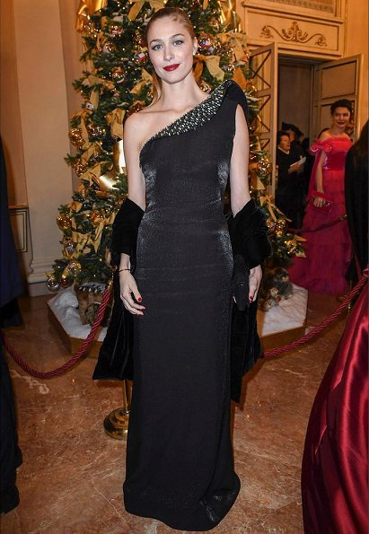 Beatrice Borromeo Casiraghi wore an embellished one shoulder Giorgio Armani Prive gown. Giorgio Armani Prive embellished one shoulder gown