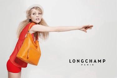 8b3fce2f7a63f No início dos anos de 1970, a LONGCHAMP introduziu no mercado, inicialmente  no Japão, a linha de bolsas LM, principal responsável por tornar a marca ...