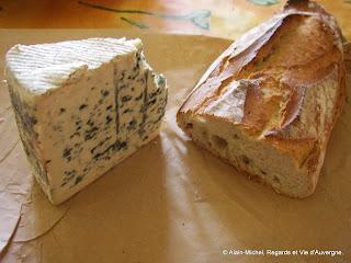 fromage : Bleu d'Auvergne et pain de campagne