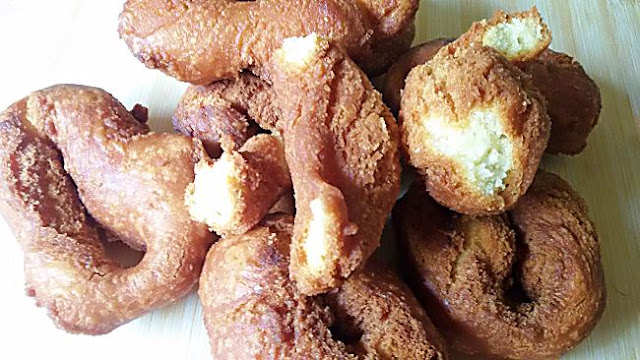 http://www.ladulzurademari.es/2014/06/rosquillas-de-anis-sin-gluten.html