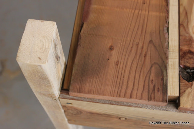 bar cart, rustic, industrial, salvaged wood, shelf, http://goo.gl/vDoqBv