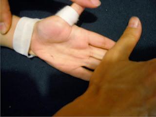 Палец и руки в писке фото 123-623
