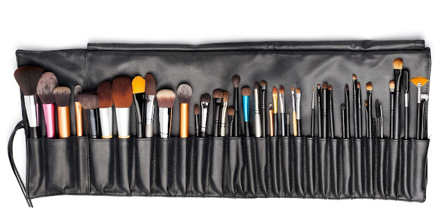 makeup-brush-holders-and-other-ways-to-store-your-brushes-by-barbies-beauty-bits