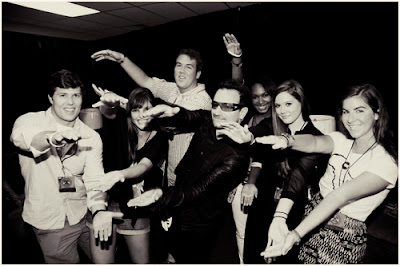 Bono con estudiantes de universidades americanas 2